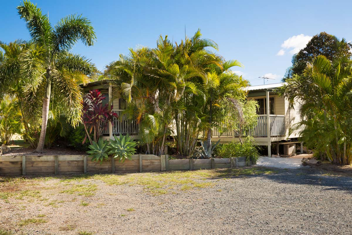 greenacres capalaba caravan park cabin exterior palm trees parking