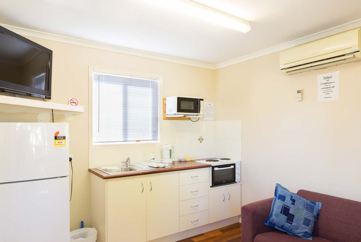 greenacres capalaba caravan park villa kitchen living room